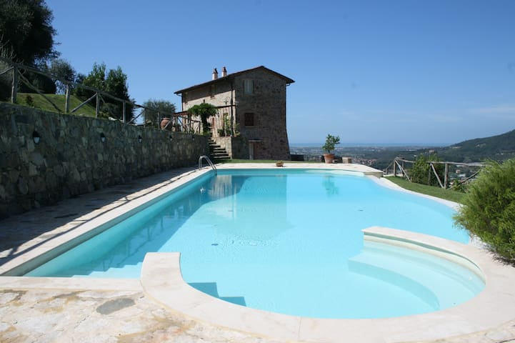 TUSCAN FARMHOUSE WITH  PRIVATE POOL AND SEA VIEW - Massarosa - Vila
