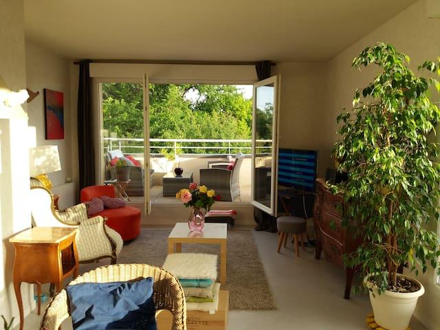 chambre tout confort chartres de bretagne appartements louer chartres de bretagne. Black Bedroom Furniture Sets. Home Design Ideas