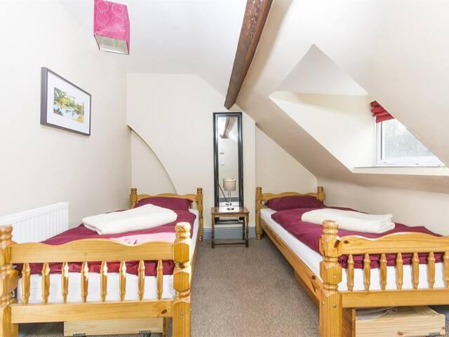 Twin Room in a Friendly Hoste