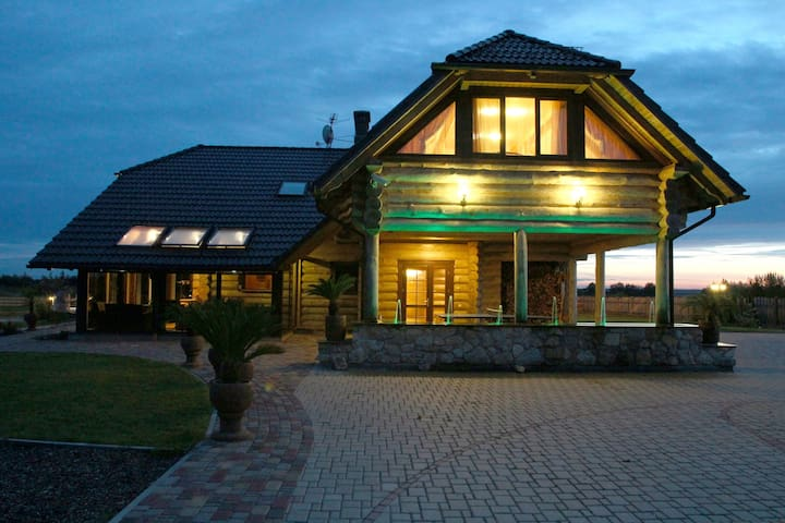 """Wood Villa"" holiday home/ cottage  - Jelgavas novads  - Casa de campo"