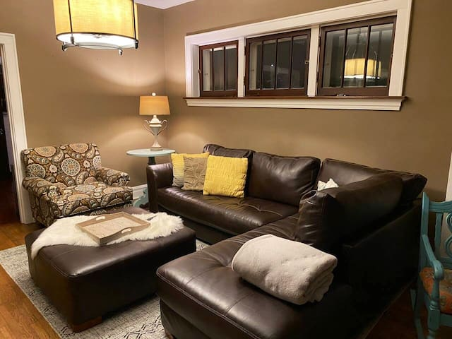 """Cozy living area for heart to heart chats or movies on the 55"""" smart tv"""