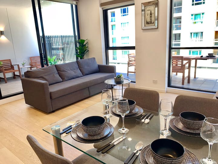 Private Lower Penthouse in Heart of Chatswood