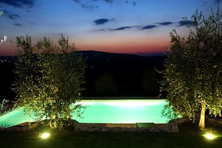 In the Countryside 1km from Siena - Uopini - House - 1
