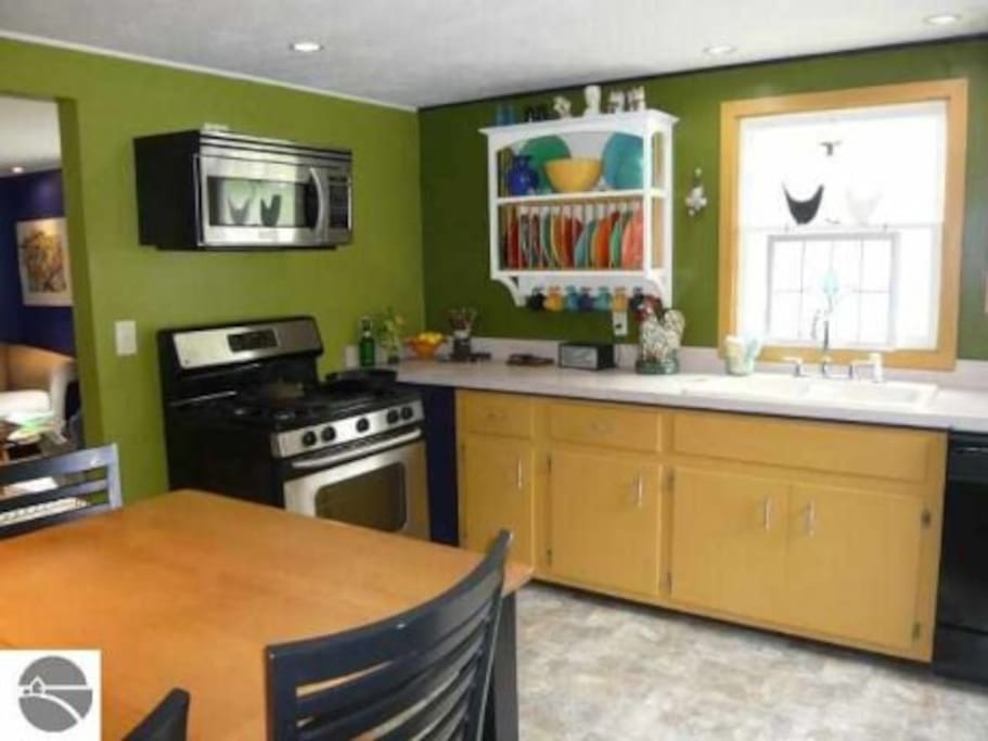 kitchen with GAS stovetop