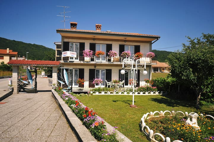 Cozy Bed&breakfast 20 min from Opatija 9-10 guests