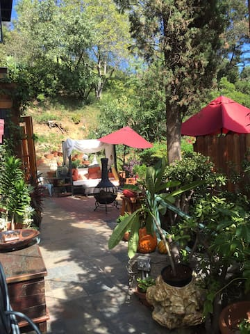 Laurel Canyon Hideaway Luxury Escape