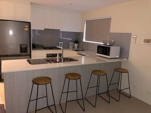 One bedroom new apartment Central Penrith