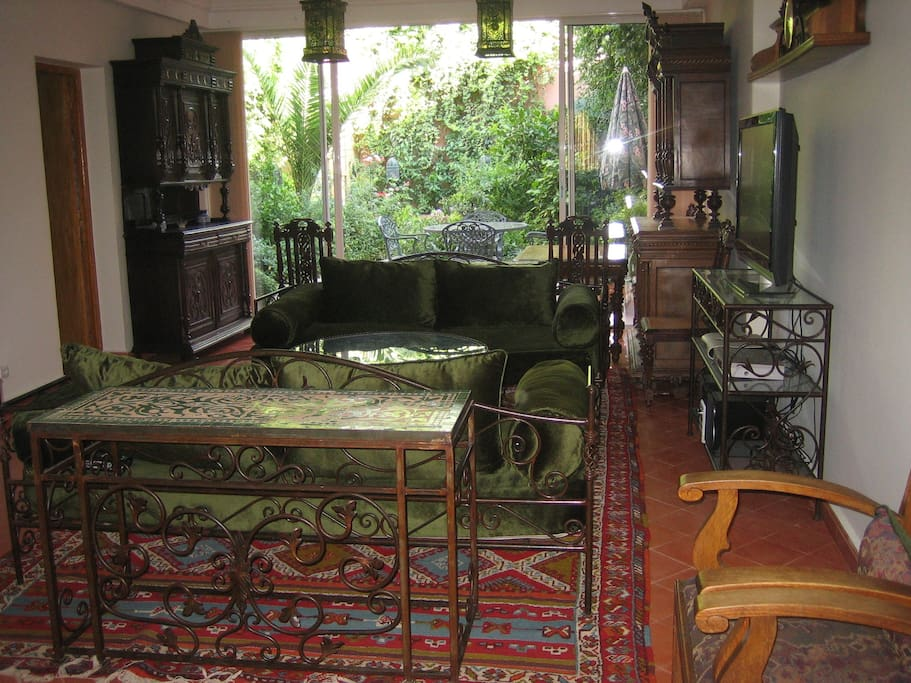 Open plan Living Room opens onto a spacious private garden oasis