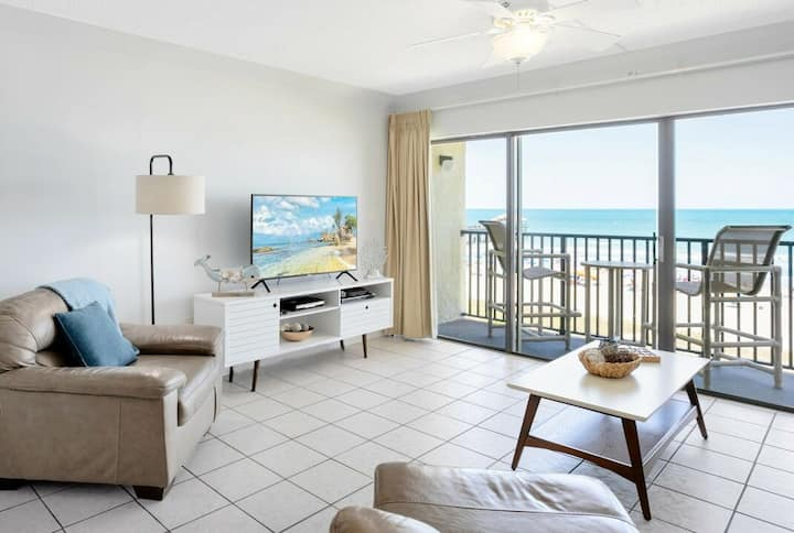 Penthouse - Ocean Front - Corner Unit @ the Pier