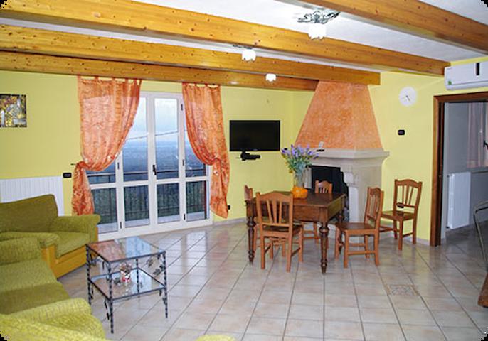 Casa Vacanze Uliveto   -Villa - - Avella