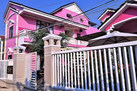 Ms Tri House-Deluxe  Double bed  room & breakfast