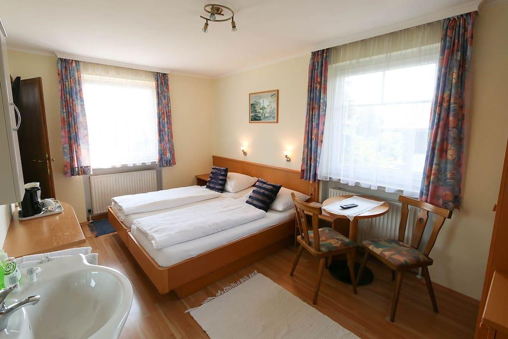 haus steiner 27 m2 doppelzimmer mit k che condominiums for rent in salzburg land salzburg. Black Bedroom Furniture Sets. Home Design Ideas