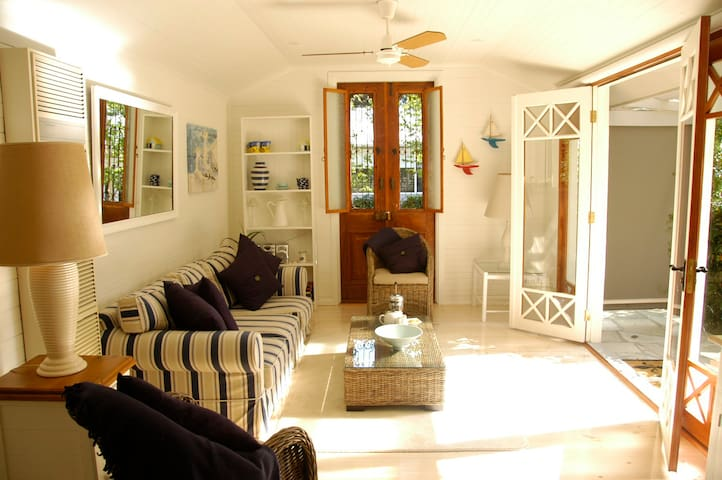 Charming seaside garden cottage  - Mount Martha - Villa