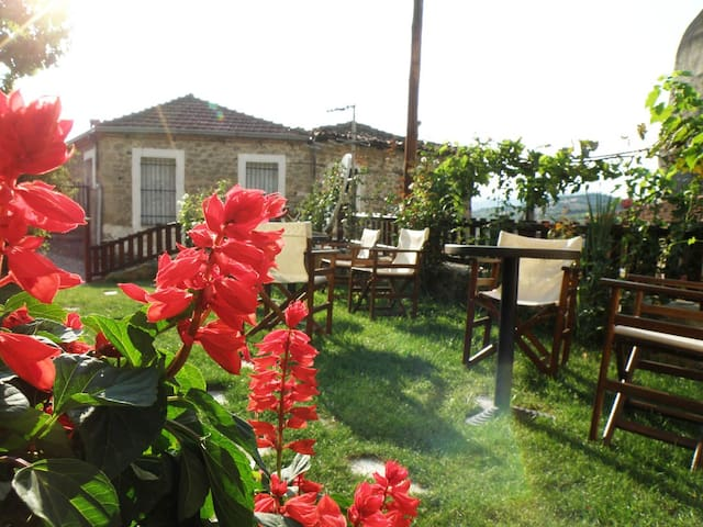 Amazing Suites Sotiriou - Kalabaka - Dağ Evi
