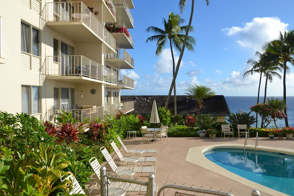 Fabulous location with ocean views!  Just a 5-6 min walk to Poipu