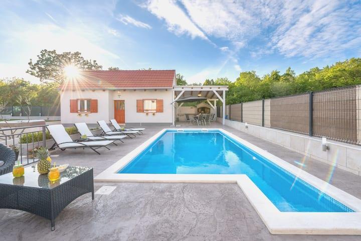 Private country estate near Split city