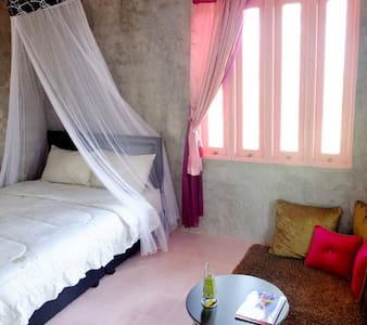 Pink Room 1 @Home172_Wangnamkhiao - Thai Samakkhi - Bed & Breakfast