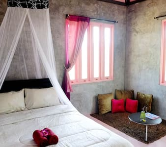 Pink Room 2 @Home172_Wangnamkhiao - Wang Nam Khiao - Bed & Breakfast