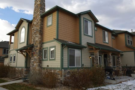 3 Bedroom Suites with 2 Car Garage - House