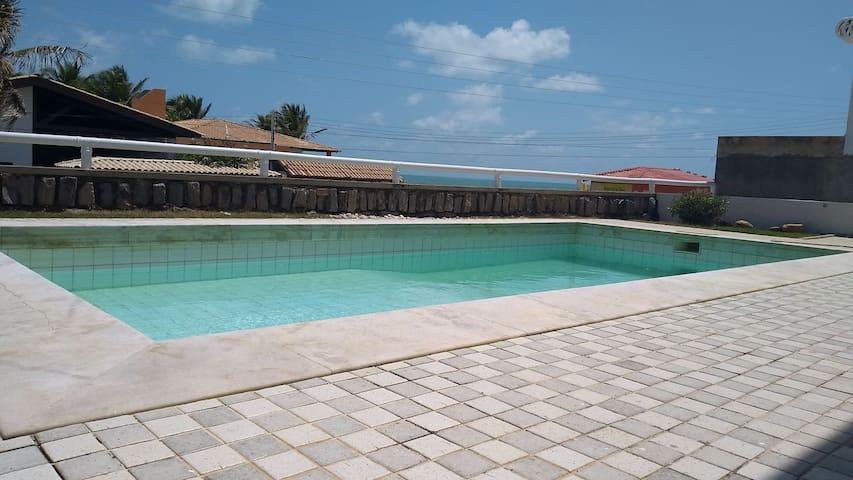 Venha passar suas férias nessa praia incrível
