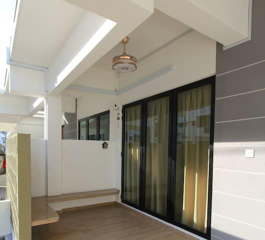 Pangkor 88 Resort Villas - 邦咯海边度假屋 - 16 pax wifi