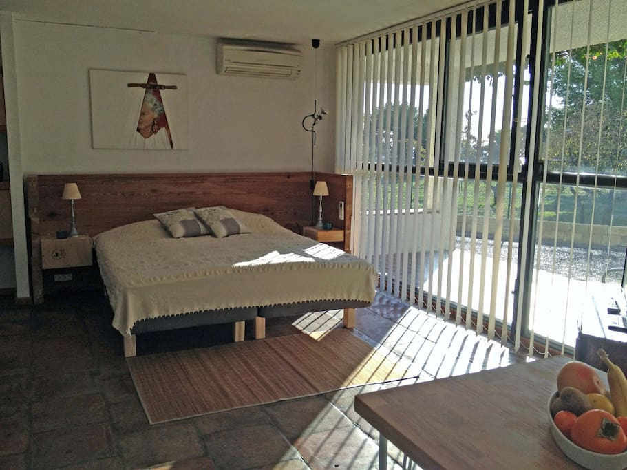 a double bed, it is also possible to make two beds