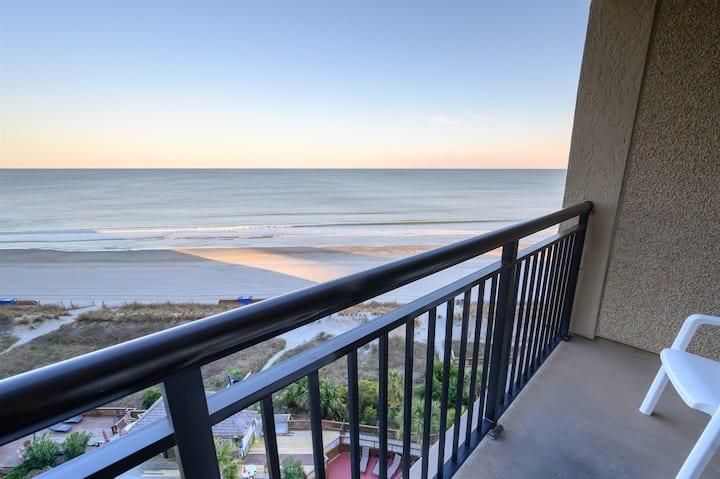 ⭐2020 NEWEST BEACHFRONT Condo Amazing Pools & Views