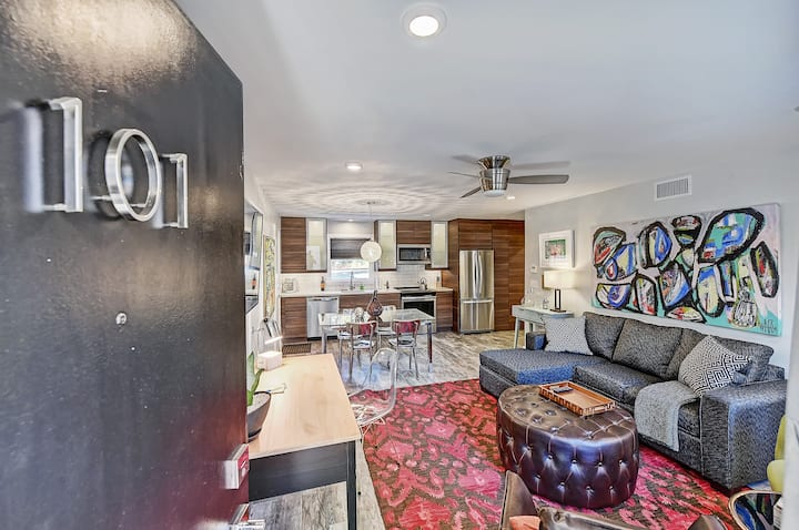 Clean and Stylish Myers Park Apt. with Private Entrance