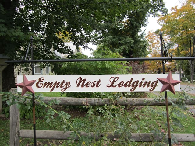 Empty Nest Lodging - Bingham - House