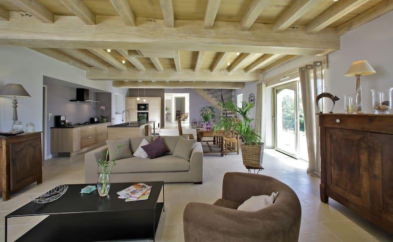 Bousquies Est maison magnifique vue - Saint-Crépin-et-Carlucet - Hus