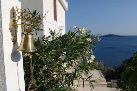 Secluded luxury home, Aegean Sea - Çandarlı