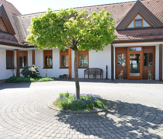 Beautiful villa in Bad Windsheim - Bad Windsheim - Szoba reggelivel