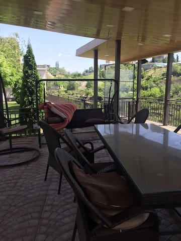LUXURY VILLA IN MASIV - Yerevan - Apartamento