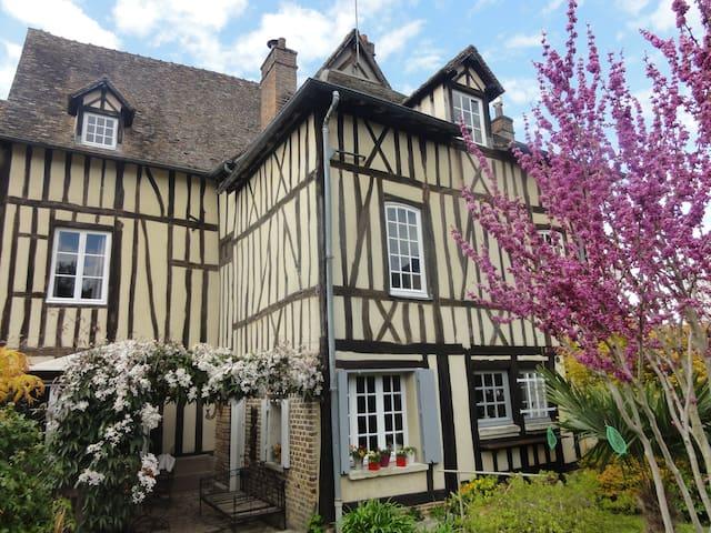 Le Prieuré Saint-Léonard - Les Andelys - Bed & Breakfast