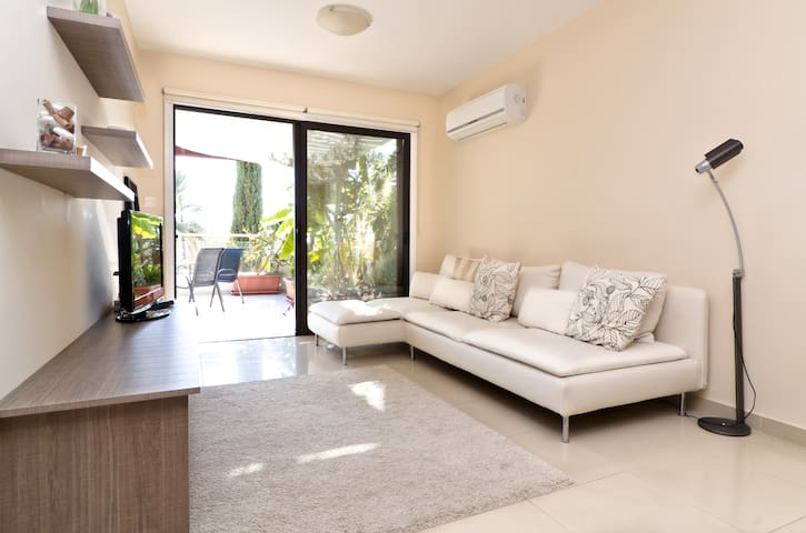 Cozy 1 Bed/Pool Apartment with Big Terrace