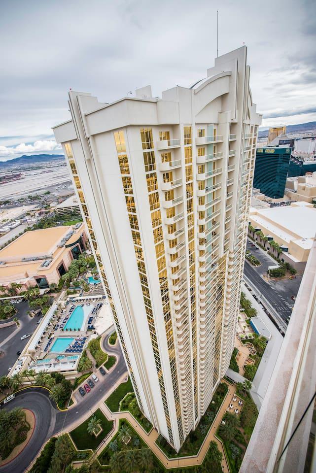 MGM Sig 1BR w/Balcony, Tower1, 8608