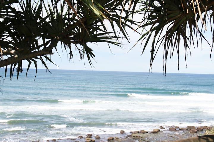 Comfy Beach Abode
