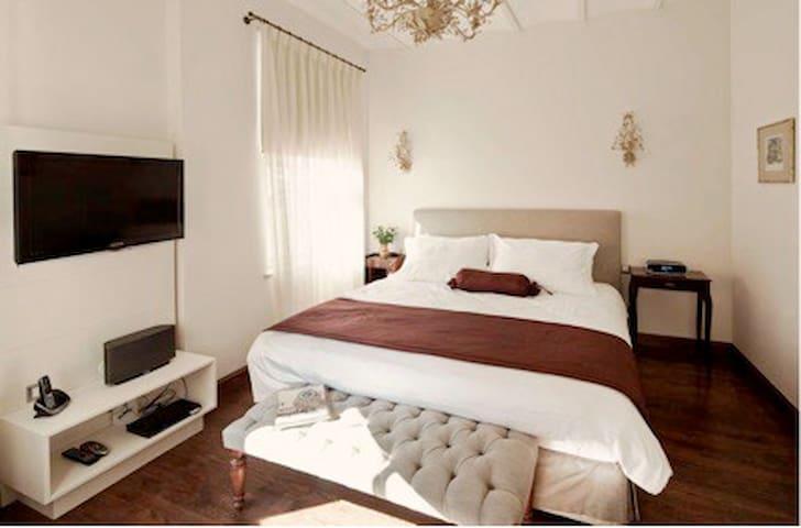 Modern serviced flat in Galata