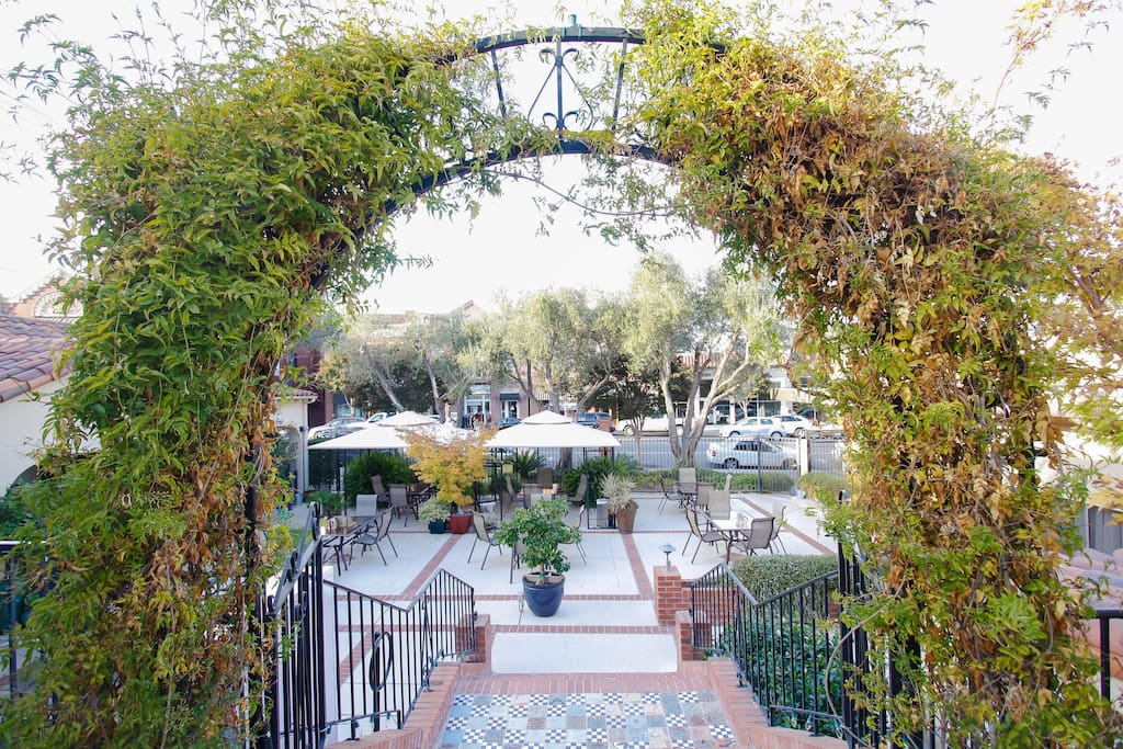 Los Gatos Garden Inn Deluxe Room Bed Breakfasts for Rent in