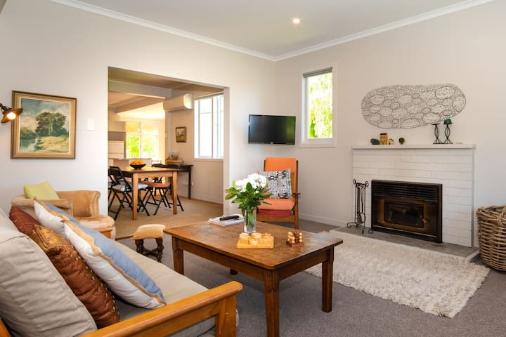 Wai iti Cottage in the Te Mata Wine Area