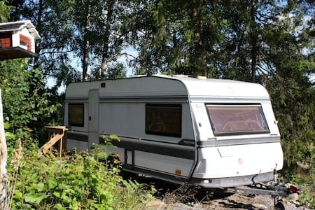 Caravan living with access to pool - Norrtälje