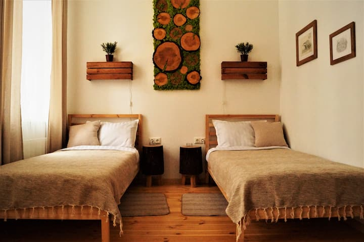 DABA Mini Hotel: Pine Room