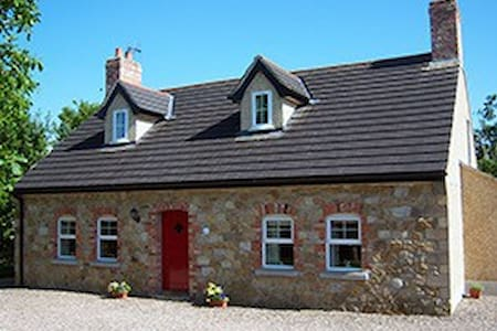 Annagh Cottage Self Catering Cottage 5*