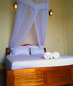 Room in House on the waterfront (free breakfast) - tp. Đồng Hới