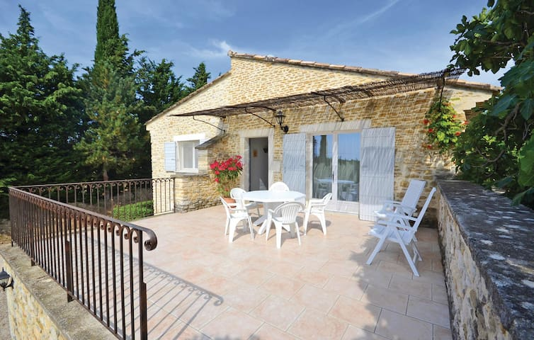 Holiday cottage with 3 bedrooms on 123 m² in Montbrison Sur Lez