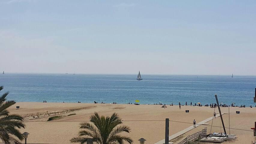 Frente:playa,atardecer, amanecer - El Masnou - Apartment