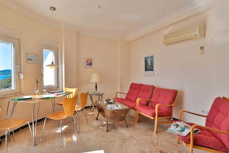 CENTRAL LOCATION, CLOSE TO THE SEA & PERFECT VIEW - Kaş - Apartment - 2