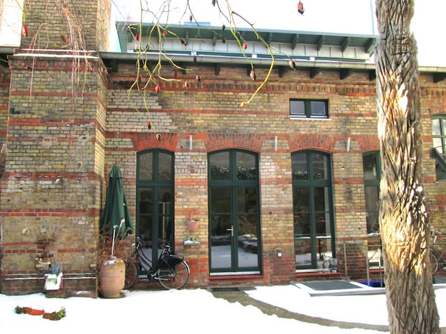 Center - Artist Studio with Garden - Berlin - House