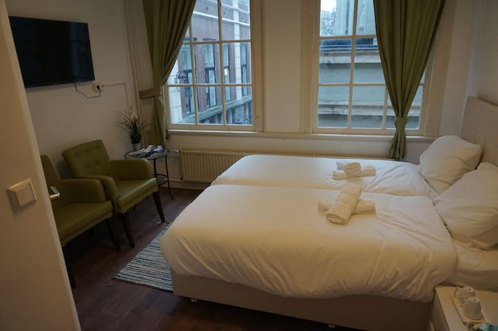 Cozy Room1 a few steps from Dam Square