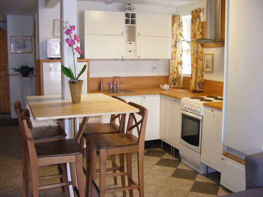 Private kitchen with seating for four persons